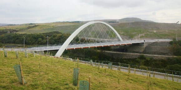 There are 750 tonnes of steel in the Jack Williams Gateway Bridge