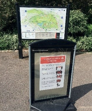 Figure 38: Signing at park entrances to guide and inform –London. Signs should be kept out of rights of way