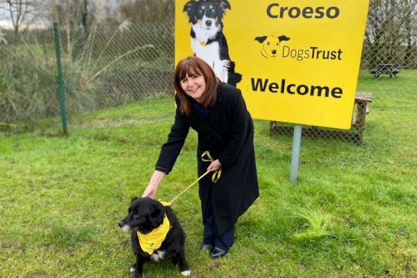 Lesley Griffiths at Bridgend Dogs Trust